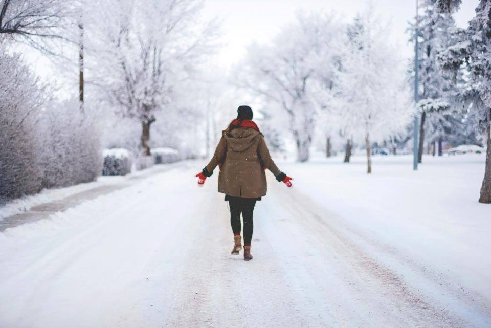 4 Relaxing Ways INFJs Can Recharge In The Winter